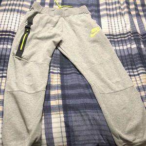 Boys Nike tech pants size Large